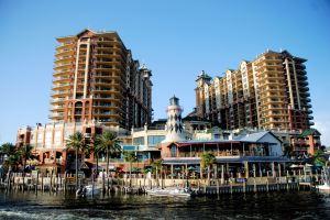 Destin hotels, HarborWalk Village, Emerald Grande